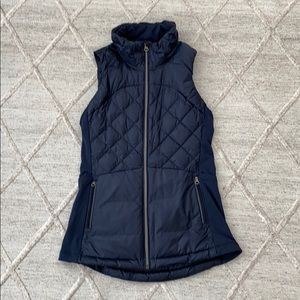 Lululemon Size 4 Down for a Run Vest in Inkwell